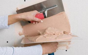 Какая лучше штукатурка — гипсовая или цементная? Какую выбрать для выравнивания стен