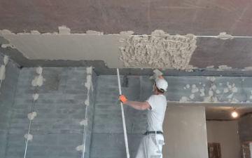 Как и чем сделать штукатурку потолка своими руками? Особенности производства работ