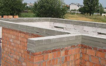 Когда применяют монолитный пояс для усиления стен. Как сделать своими руками пошагово?