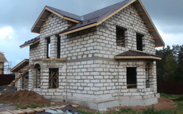 Частный дом из пеноблоков – от фундамента до крыши. Как построить своими руками