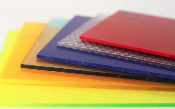 Основные виды и свойства монолитного поликарбоната. Где применяется материал и как порезать самостоятельно?